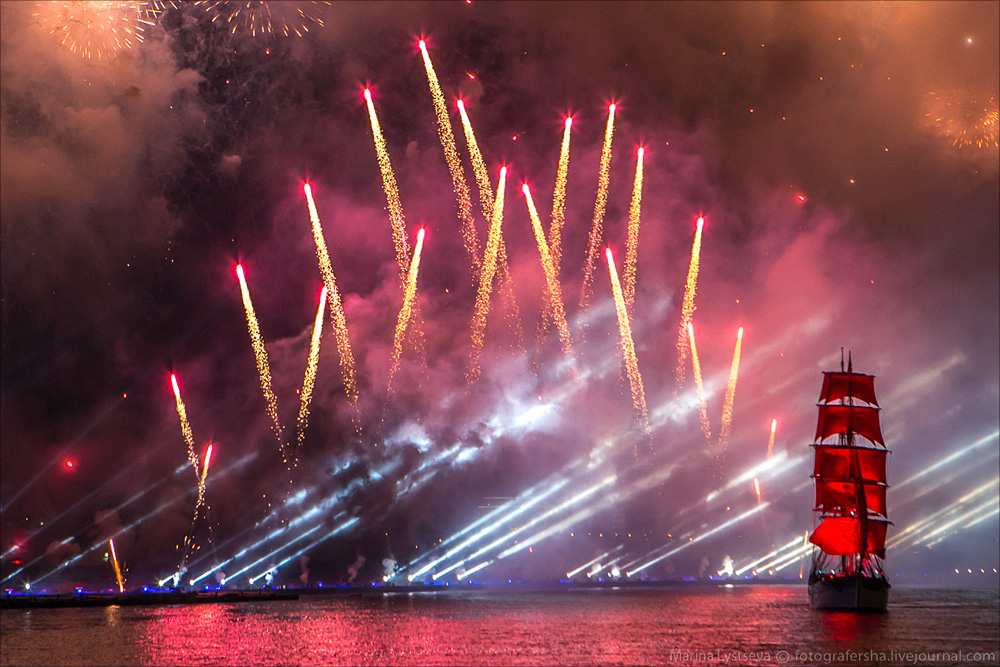 Scarlet Sails 2015: Bright fireworks show in Saint Petersburg - 32