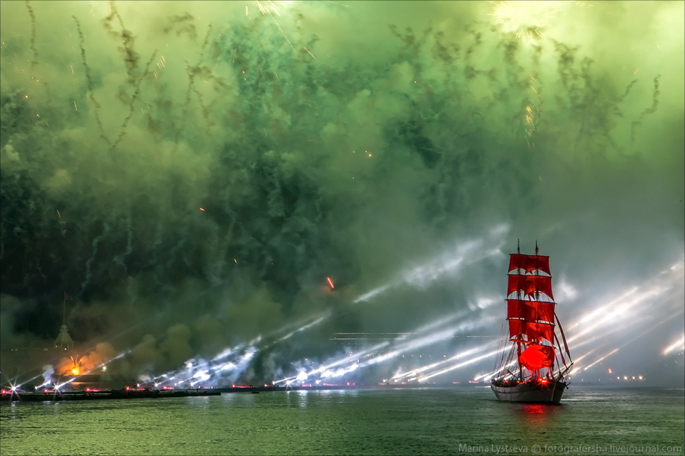 Scarlet Sails 2015: Bright fireworks show in Saint Petersburg - 34