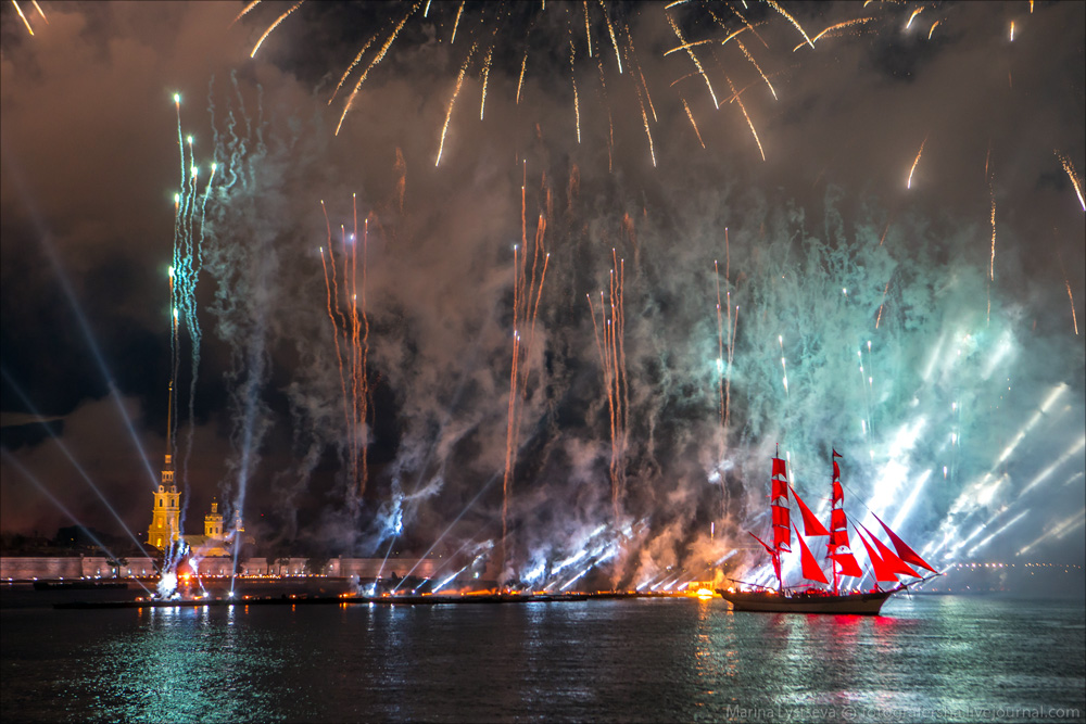 Scarlet Sails 2015: Bright fireworks show in Saint Petersburg - 35