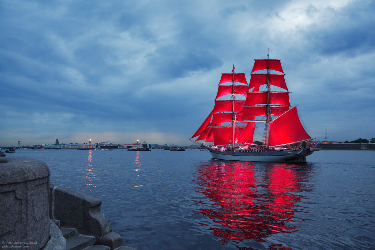 Scarlet Sails 2015: Bright fireworks show in Saint Petersburg - 4
