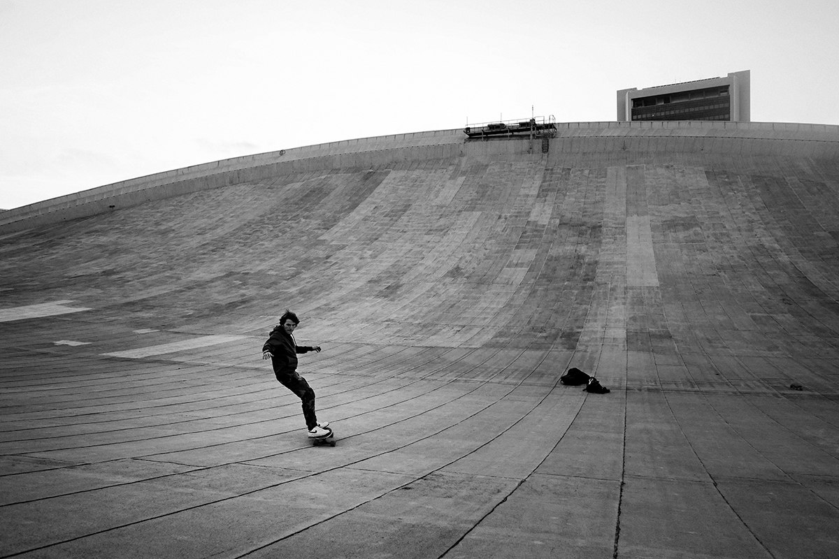 Skateboarding on the roof of the Olimpiysky Swimming Pool - 5