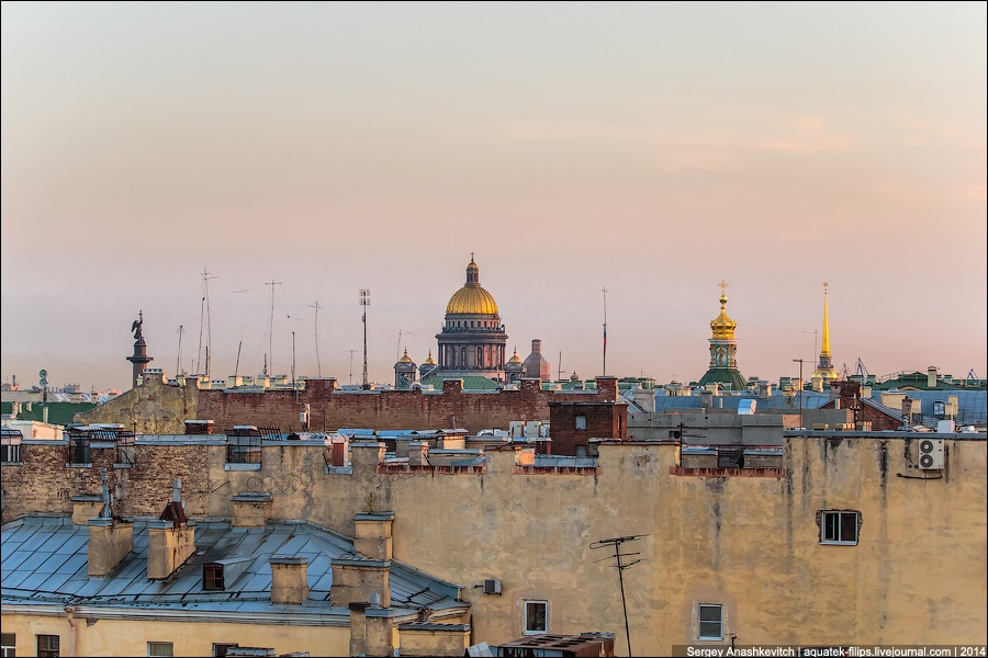 Above the city: Walking on the roofs in Saint Petersburg - 17