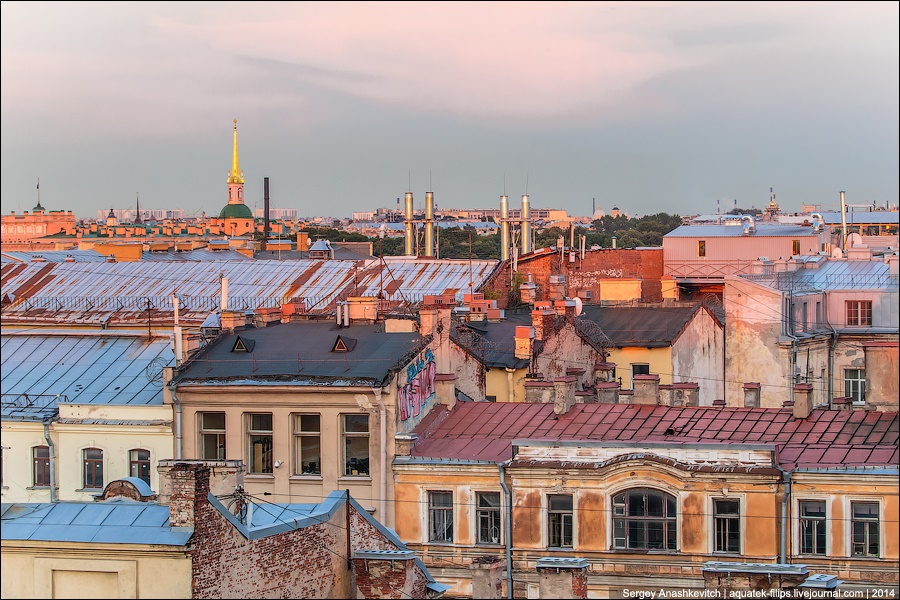 Above the city: Walking on the roofs in Saint Petersburg - 18