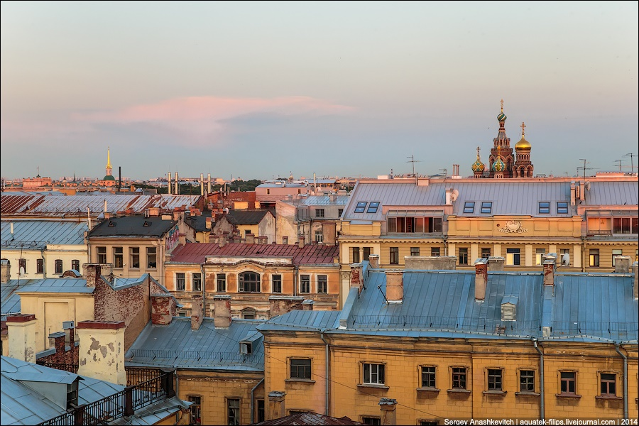 Above the city: Walking on the roofs in Saint Petersburg - 19
