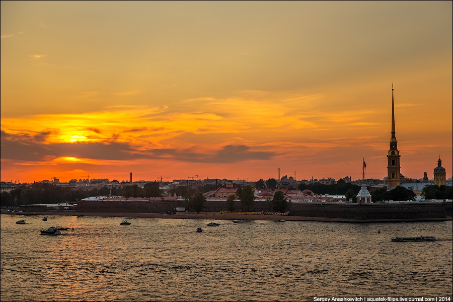 Above the city: Walking on the roofs in Saint Petersburg - 21