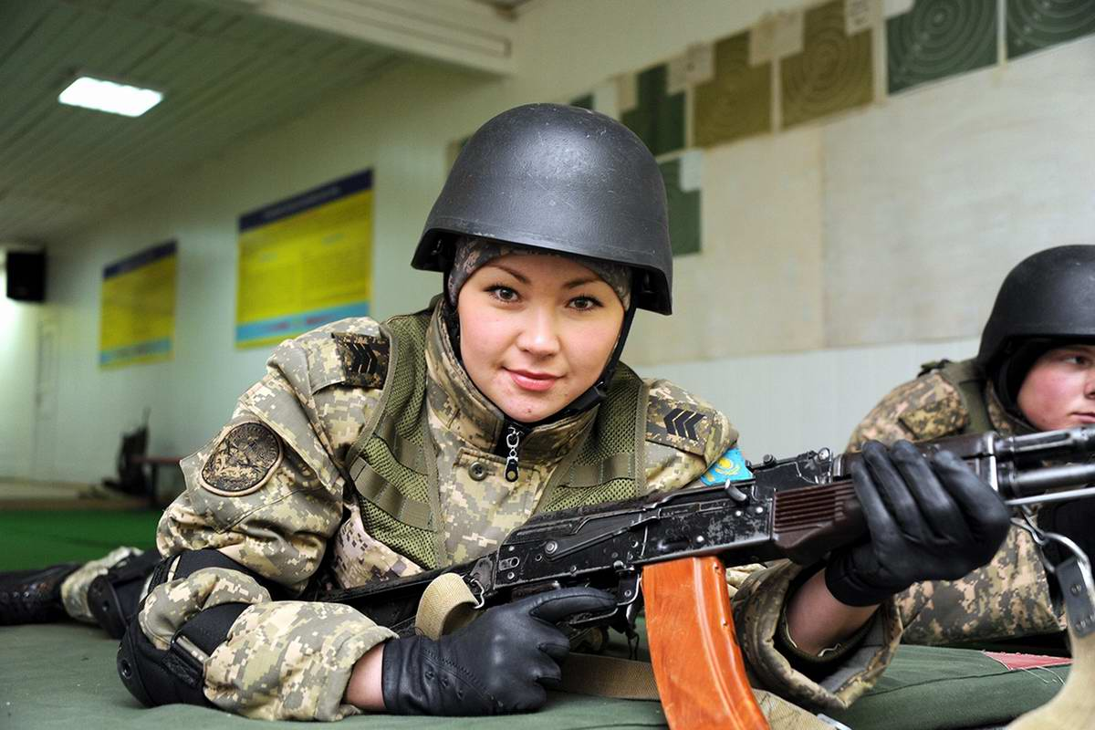 Feminine Armed Forces: Girls from the army of Kazakhstan - 14