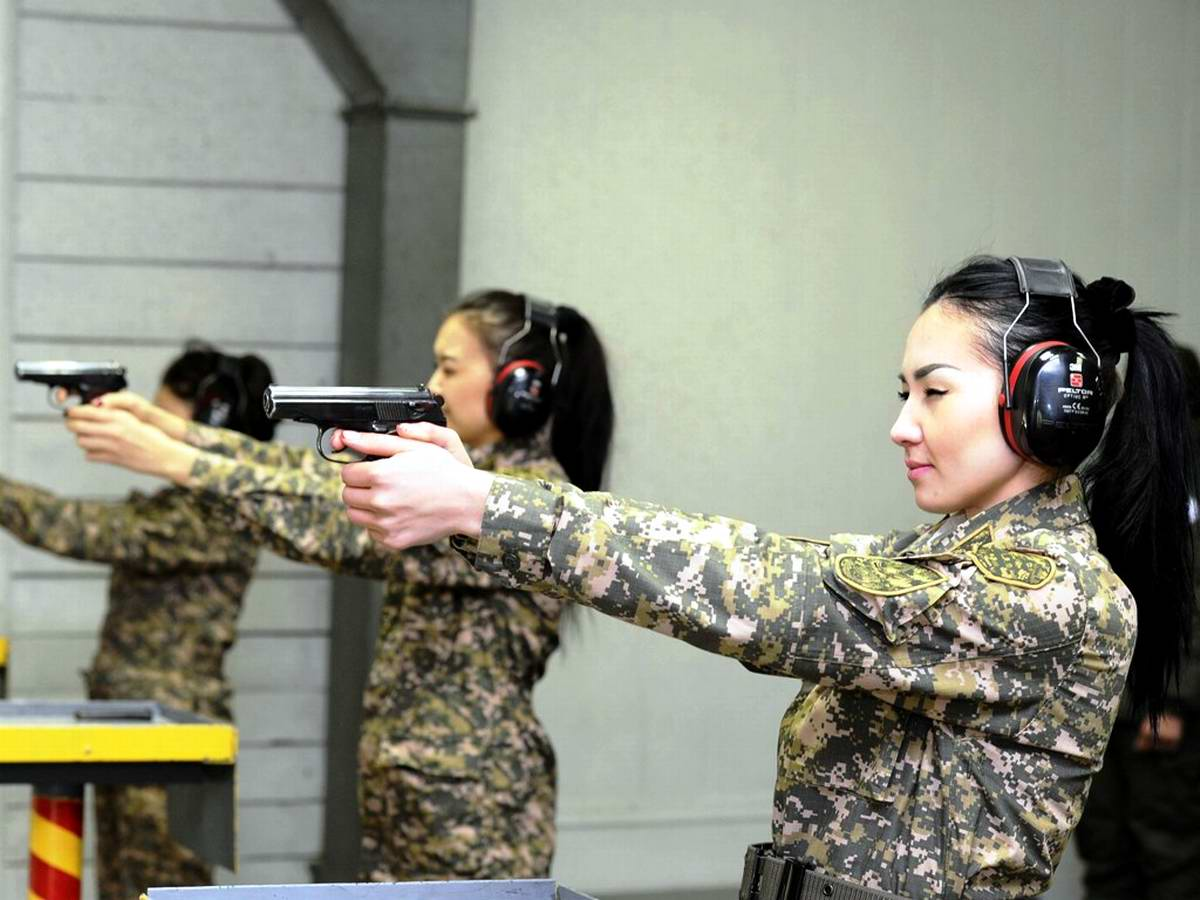 Feminine Armed Forces: Girls from the army of Kazakhstan - 21