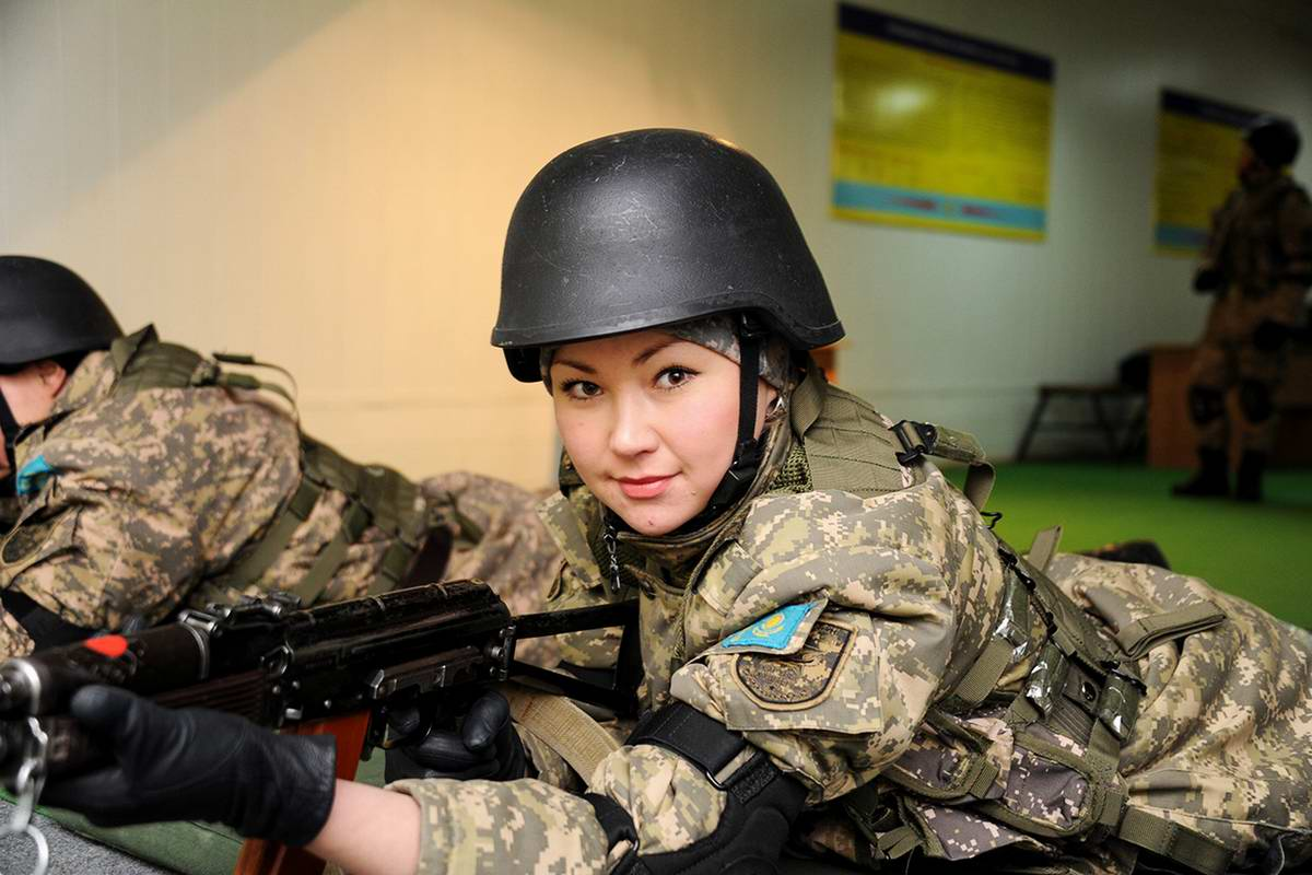 Feminine Armed Forces: Girls from the army of Kazakhstan - 25