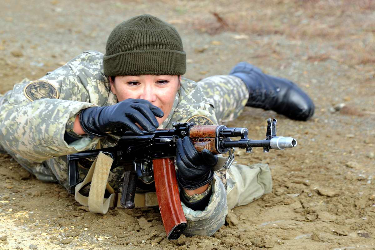 Feminine Armed Forces: Girls from the army of Kazakhstan - 28