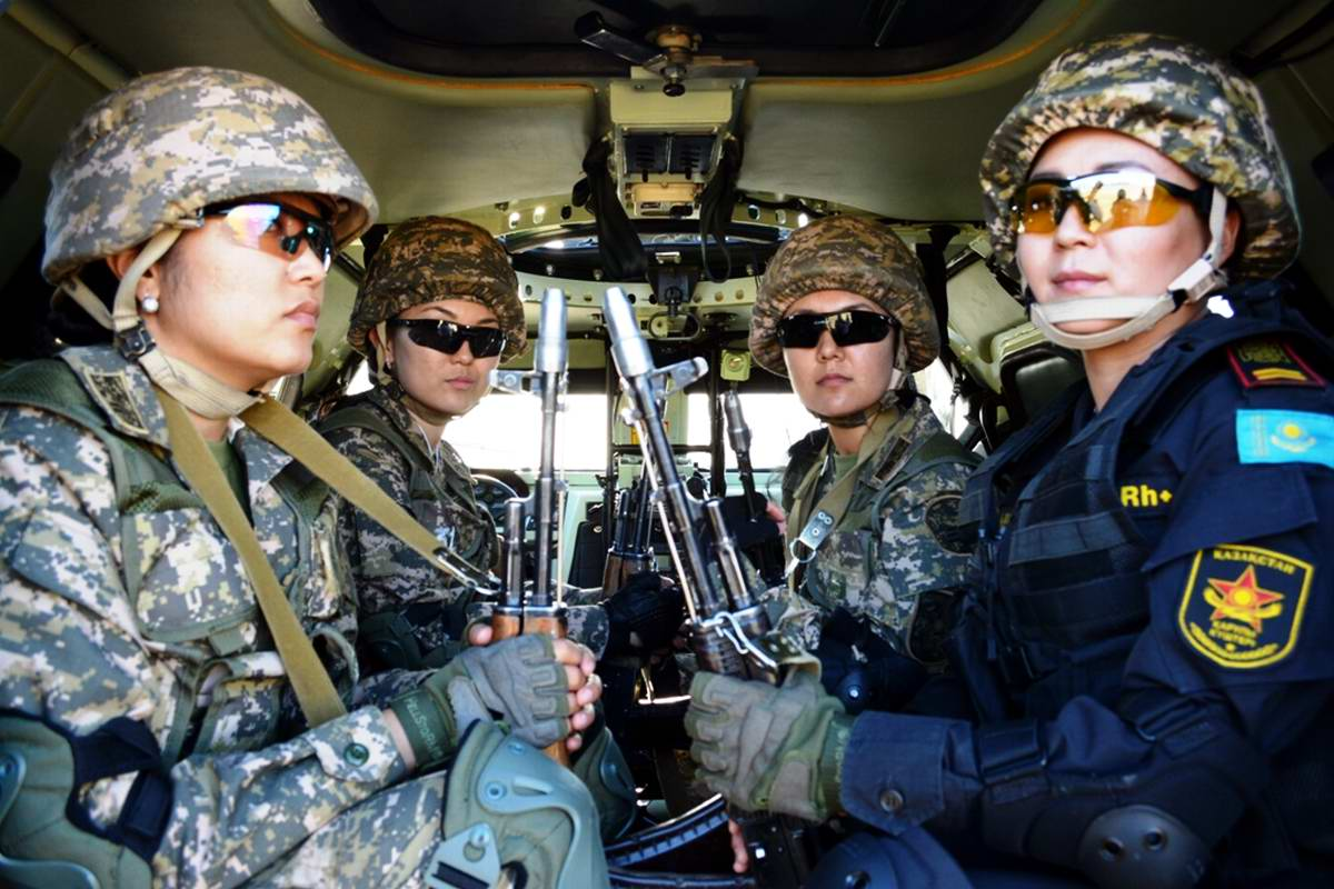 Feminine Armed Forces: Girls from the army of Kazakhstan - 33