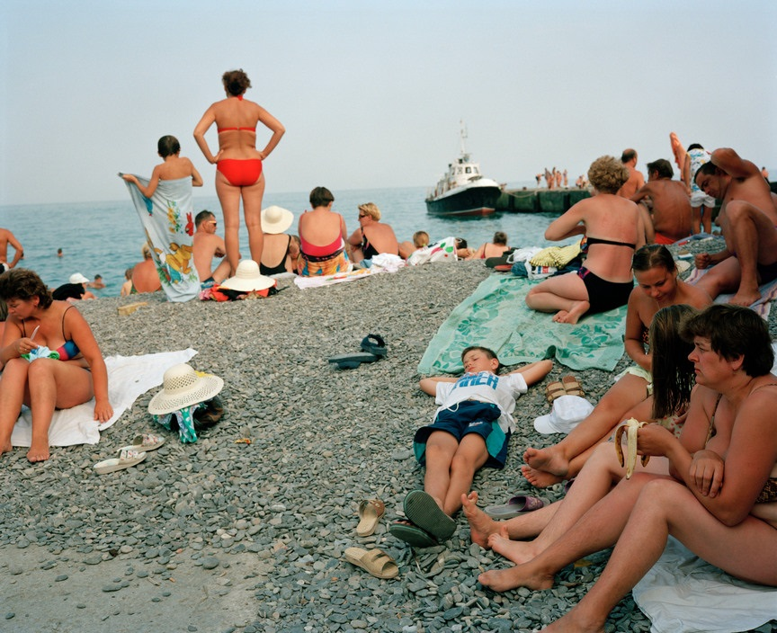 Ukraine 1990s: The city of Yalta on photos by Martin Parr - 24
