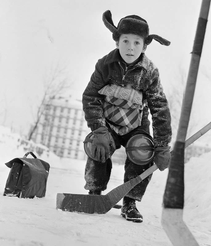 Vintage photos of the harsh winter in the era of Soviet Union - 25