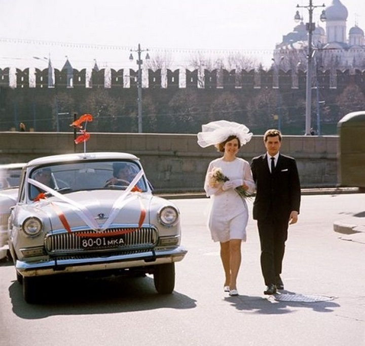 Colour of Soviet weddings on photographs of the bygone era - 8