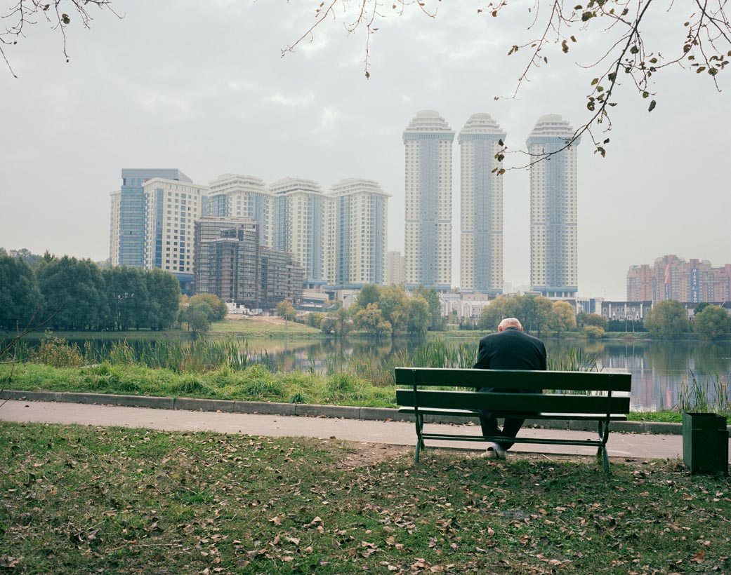 Motherland: Photos of unfeigned Russia by Simon Roberts - 37