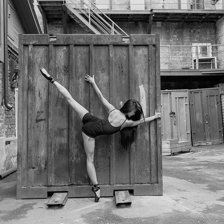 Art of graceful ballet dancing on photos by Alexander Yakovlev - 13