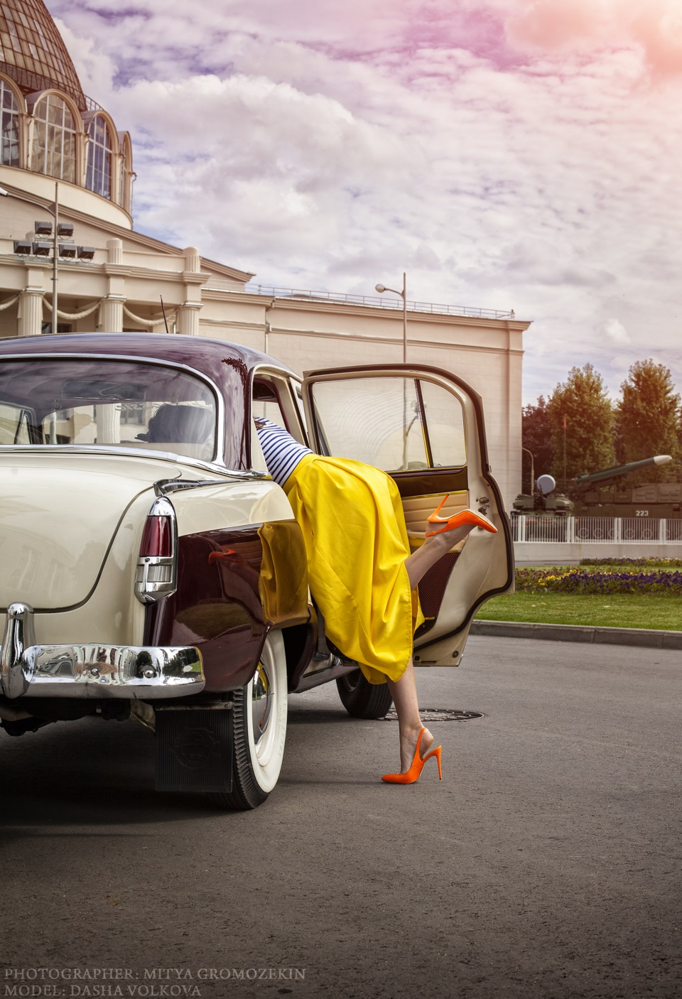Photo-shoots with Russian beauties and Soviet cars - 16