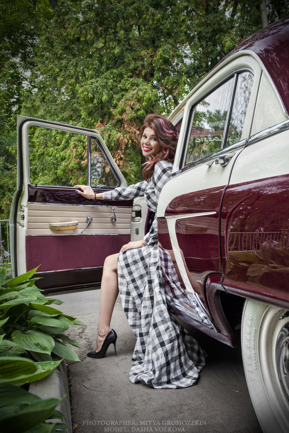 Photo-shoots with Russian beauties and Soviet cars - 22