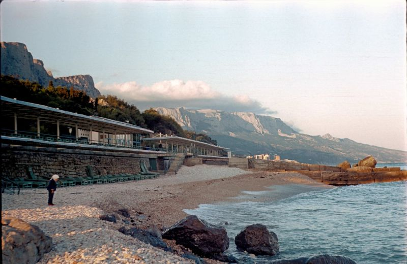 Historical photographs of Soviet Crimea's resort cities in 1970s - 9