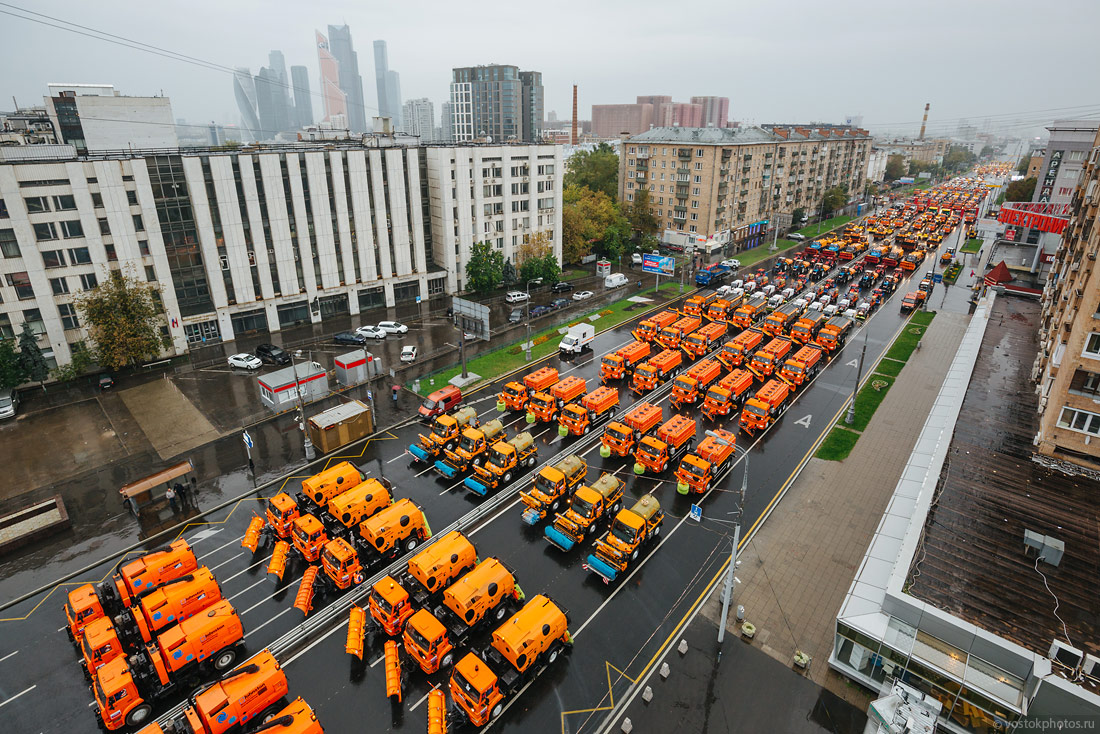 The first parade of city utility and emergency vehicles in Moscow - 2