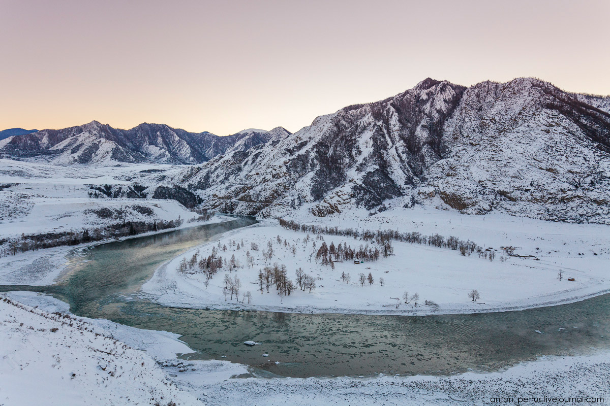 Severe but wonderful Altai winter in photos by Anton Petrus - 17